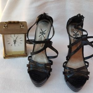 Kardashian kollection black heels sz 6.5